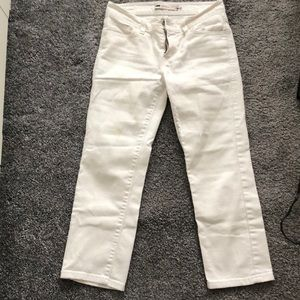 Levi's capri Demi Curve white jeans